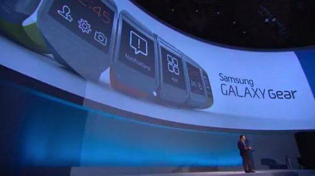 1240108 10151606469743045 816110074 n First Look at Samsung Galaxy Gear smartwatch